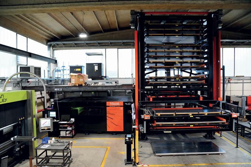 Il sistema Optiplex 3015 DDL installato presso Basano è dotato di magazzino verticale a torre per gestire al meglio la variabilità dei materiali.