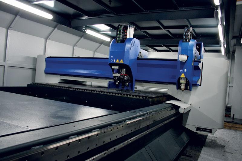 Xdream combina differenti tecnologie di lavorazione: laser, plasma e foratura.