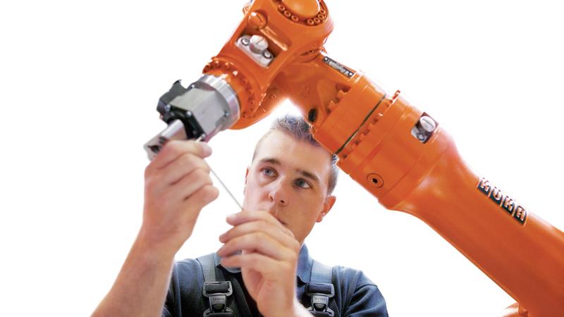 I robot revisionati e garantiti da KUKA sono disponibili in stock, e quindi la consegna è immediata.