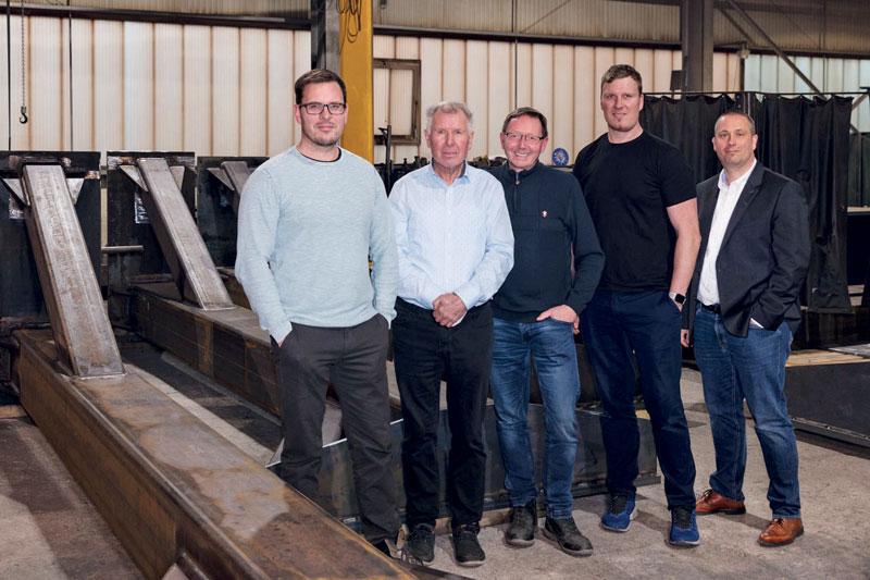 La collaborazione tra il fondatore dell'azienda, Wilhelm Krüger senior, insieme ai suoi figli - Wilhelm Krüger junior e Martin Krüger - e al team al completo, offre un know how tecnologico richiesto in tutto il mondo.