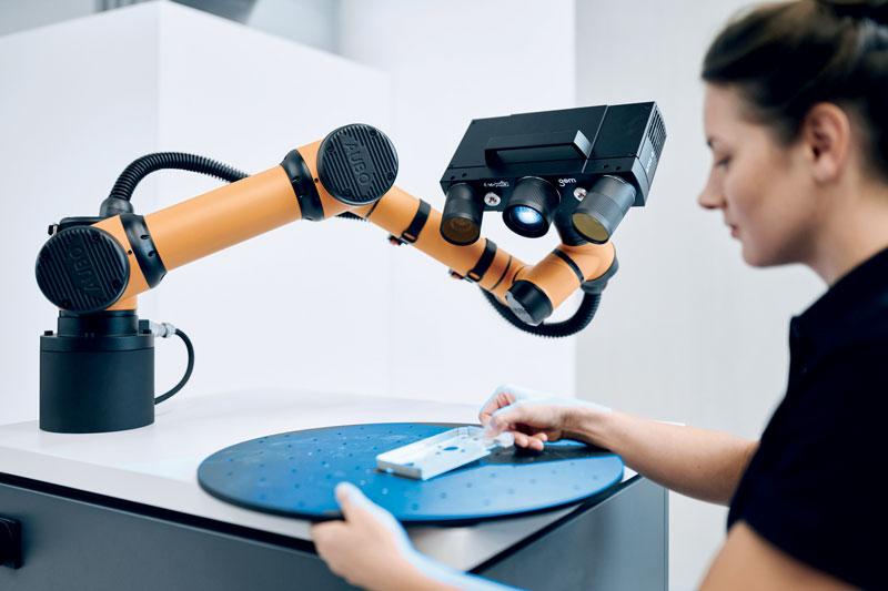 GOM ScanCobot è particolarmente adatto per un efficiente controllo di qualità di piccoli e medi pezzi di metallo, ghisa e plastica.