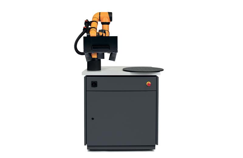 GOM ScanCobot con ATOS Q è compatto e poco ingombrante grazie alle ridotte dimensioni di 975 x 755 mm e all'altezza di lavoro di 1.000 mm.