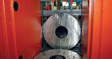 Lame e oli, complementi fondamentali per il taglio metalli