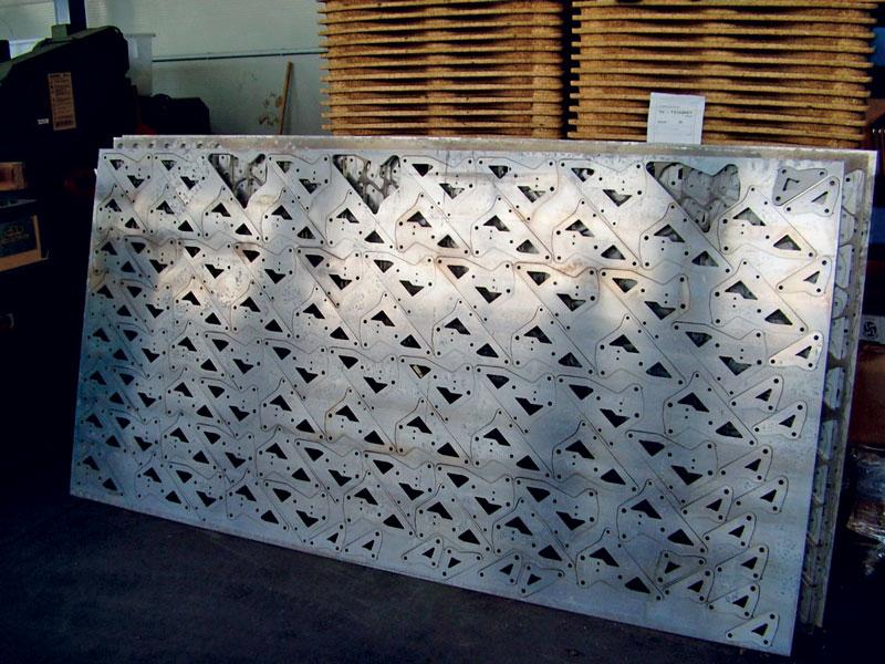 Esempio di nesting su lastra di alluminio spessa 20 mm.