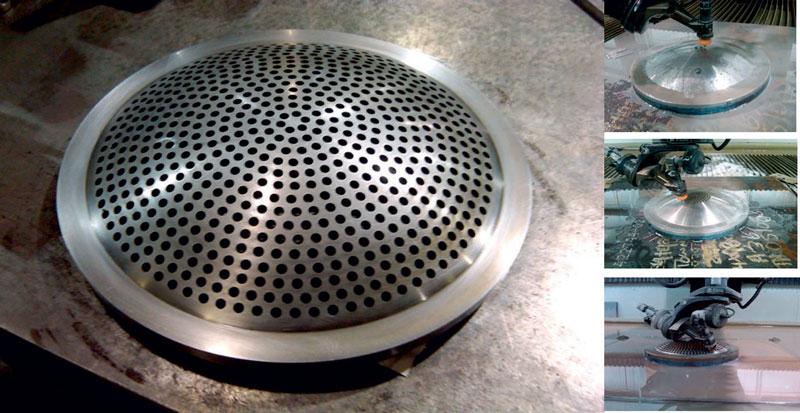Esempio di taglio 3D realizzato con tecnologia AWJ di Flow in cui sono stati eseguiti 651 fori del diametro di 8 mm.