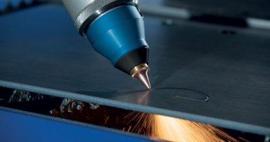 Conoscere e compensare lo spostamento termico del fuoco per garantire tagli laser sempre più precisi