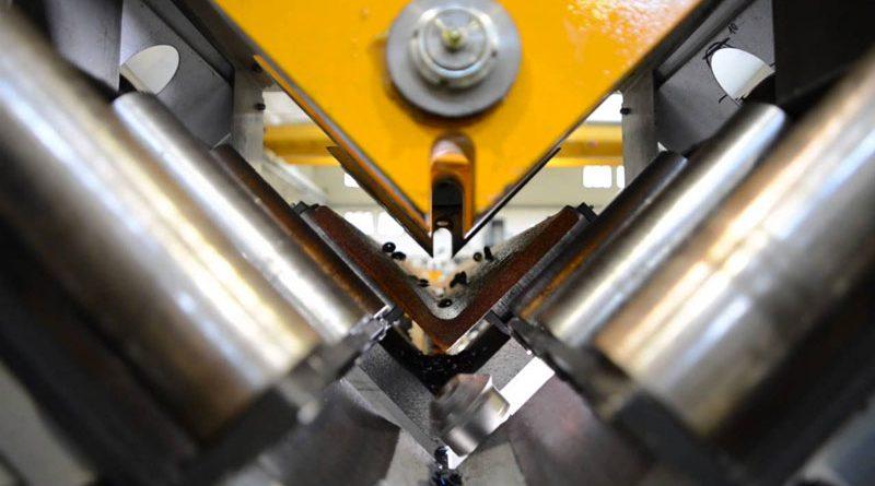 Le linee di foratura ad alta velocità RAPID di FICEP sono capaci di gestire strette tolleranze e diversi range dimensionali degli angolari.