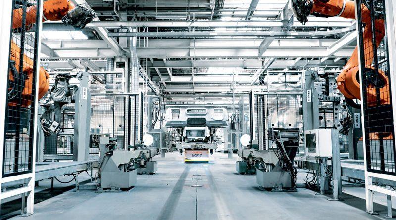 I robot KUKA supportano la produzione di veicoli nelle fabbriche Daimler di tutto il mondo.