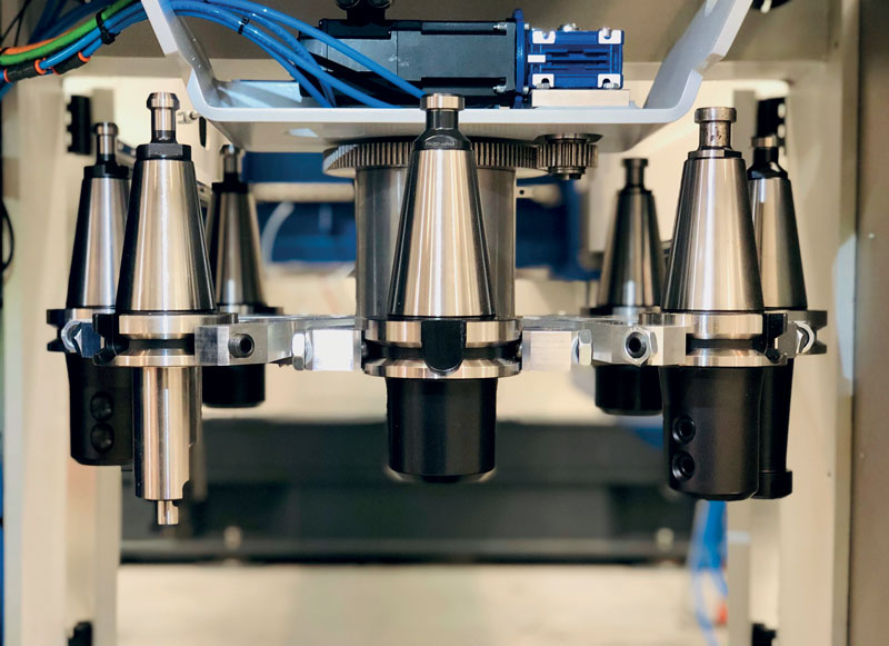 Nell'ottica del pezzo finito, Ominatech integra soluzioni di foratura, maschiatura, fresatura superficiale, marcatura profonda da abbinare al classico taglio plasma.
