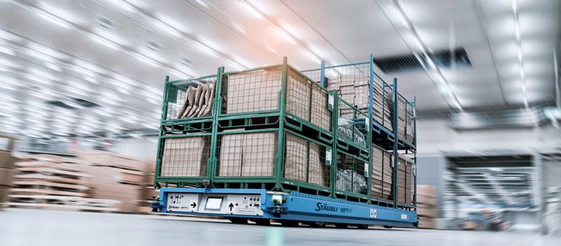 Stäubli propone un'intera gamma di AGV per applicazioni fino a 250 ton, nella tipologia Foklift, a sogliola e portale.