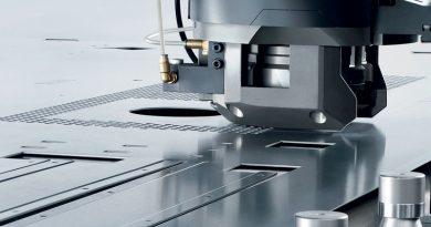 Non semplici punzonatrici, ma veri centri di lavoro 3D