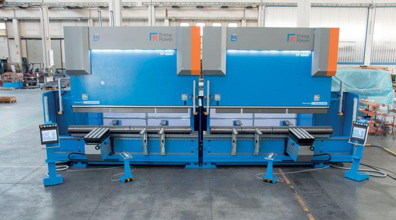 L'impianto di piegatura in tandem installato presso Al Shurooq Industries L.L.C. frutto della sinergia Gasparini Prima Power.