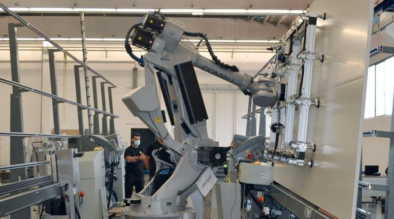 Bavelloni ha puntato su Pneumax per automatizzare una linea di molatrici rettilinee monolaterali per vetro piano.
