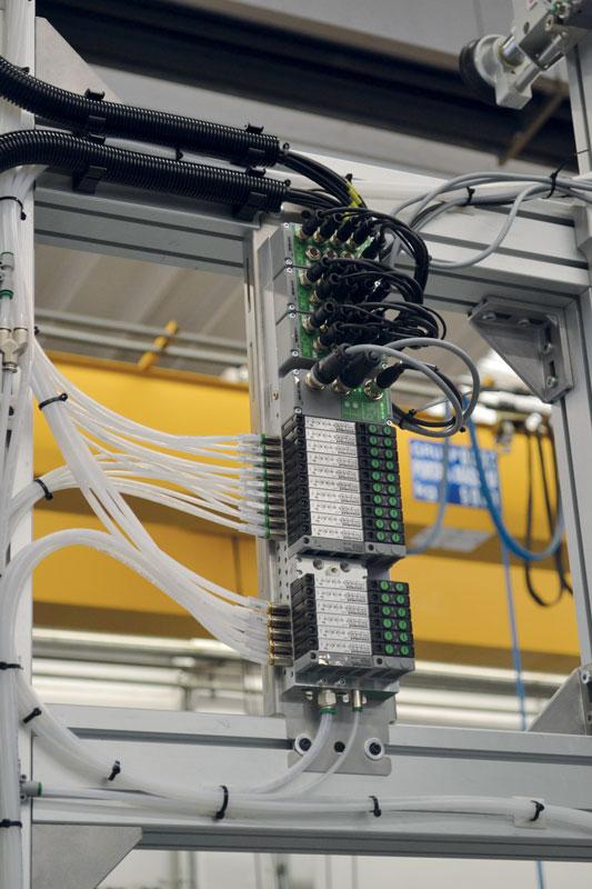 Le batterie di elettrovalvole serie 3000 di Pneumax.