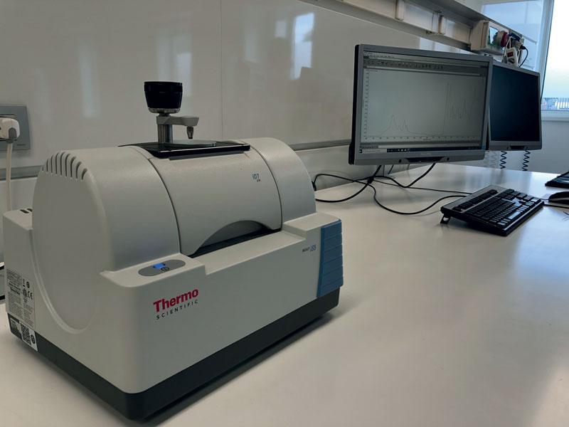 Lo spettrofotometro del laboratorio prove.