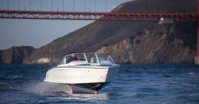 """La """"Tesla"""" dei mari: ecco la nuova generazione di motoscafi elettrici"""