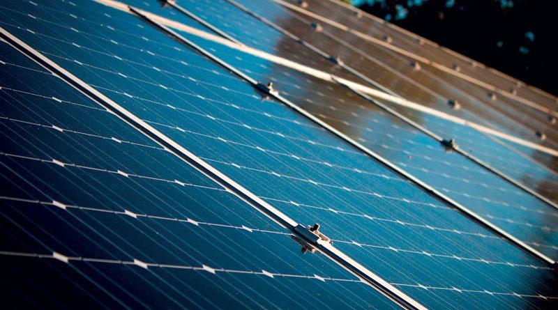 Con l'attuatore lineare elettrico HP5, MecVel va incontro alle esigenze dell'industria fotovoltaica con una tecnologia mirata.