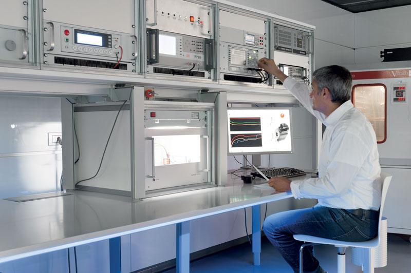 Il Laboratorio Prove riveste una funzione indispensabile per garantire la massima qualità in ogni fase del processo produttivo.