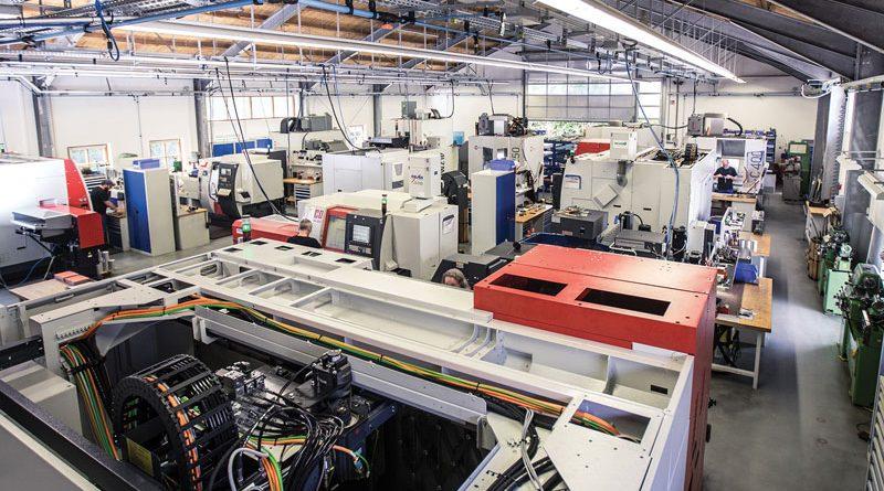 Il parco macchine di WB mechanics comprende sei fresarici governate da controlli numerici Heidenhain e sei torni connessi a StateMonitor.