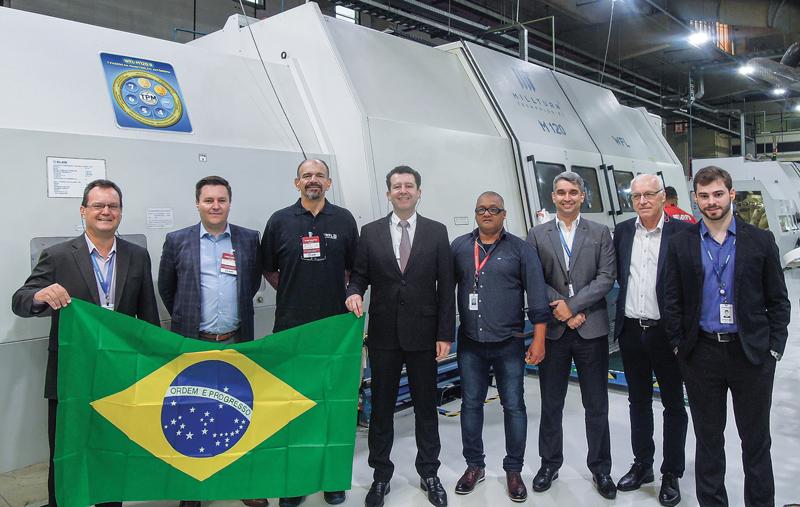 Da sinistra: Reinaldo Ponte Júnior (Eleb), Chris Jagersberger (WFL), Ivan Prando (WFL), Luís Marinho (Eleb), Paulo da Silva (Eleb), Gustavo Nogueira Emmã (Eleb), Josef Fellner (WFL), Gustavo Tureta (Eleb), Luís Marinho (direttore Eleb).