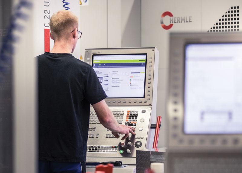 WB mechanics utilizza StateMonitor sui controlli numerici in modo da facilitare il lavoro di Markus Hollerieth nel governo di macchine destinate alle lavorazioni multiple.