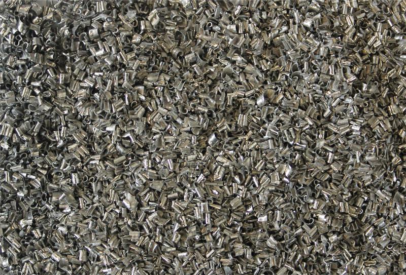 La nuova lega di alluminio 2077 Lead Free di Eural Gnutti permette di ottenere un truciolo di piccole dimensioni e facilmente evacuabile dopo la lavorazione all'utensile.