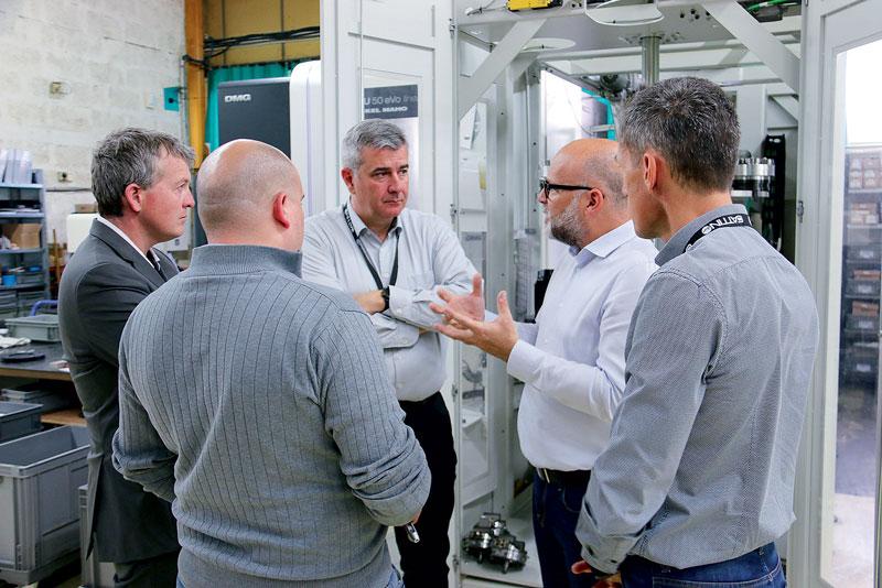 Altri sistemi Erowa adottati in azienda sono gli elevatori per il caricamento e il sistema di gestione del processo JMS 4,0 destinato a equipaggiare tutte le macchine in officina.
