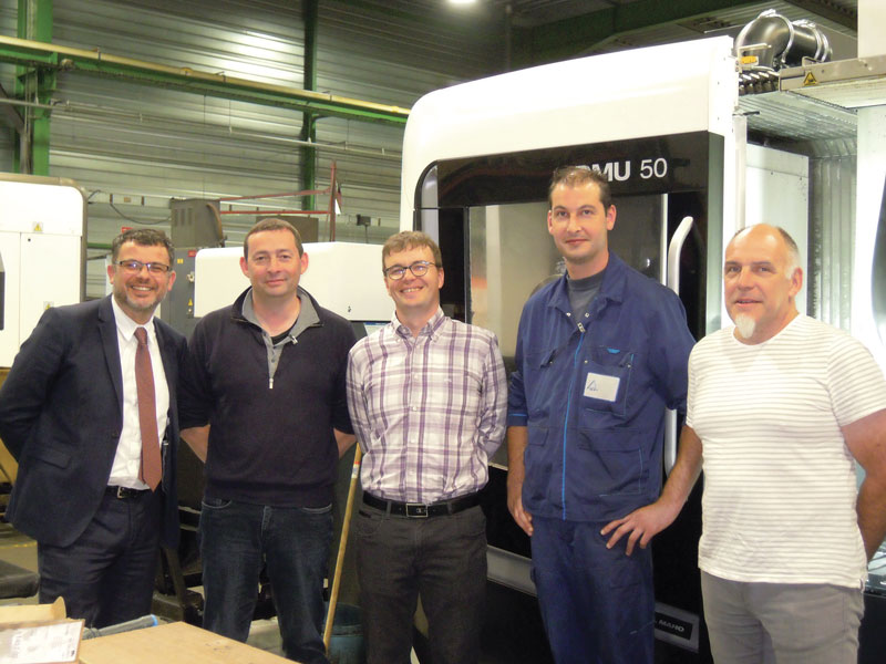 Da sinistra: Arnaud Panaget (Tecnico commerciale MMC Metal France), Laurent (Responsabile acquisti MPI), François (Responsabile commerciale MPI), Aurélien (Tecnico di processo MPI) e Loïc (Direttore MPI).