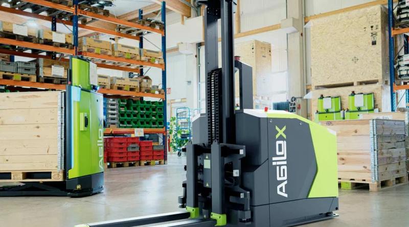 Omnidirectional Counterbalanced Forklift