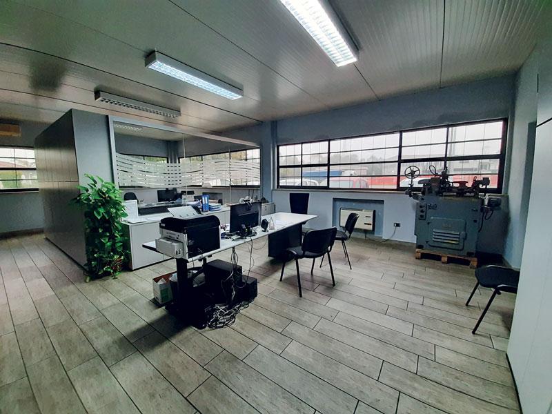 Vista dell'ufficio tecnico di R.O.M. Renzi Officine Meccaniche.