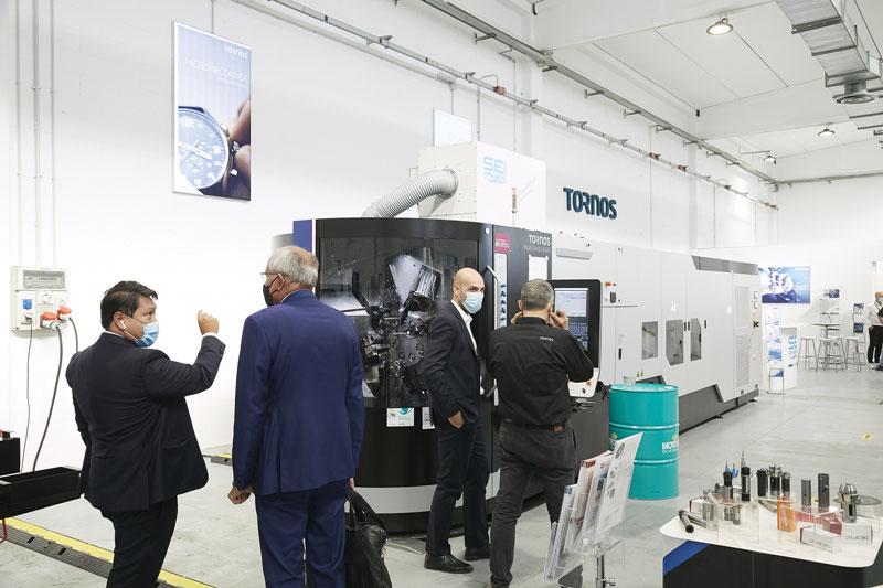 Tra i modelli in mostra nello showroom, anche un tornio MultiSwiss 8 x 26.