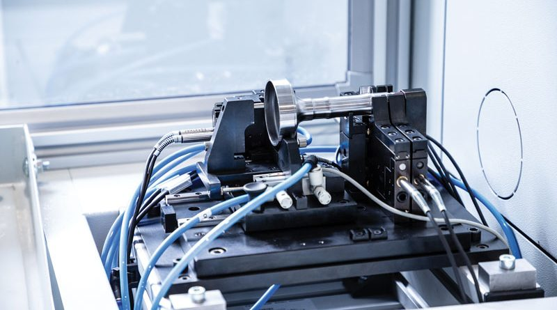 Stazione di misura pezzo integrata nel centro di tornitura EMCOTURN E65 e sviluppata da Propart in collaborazione con EMCO.