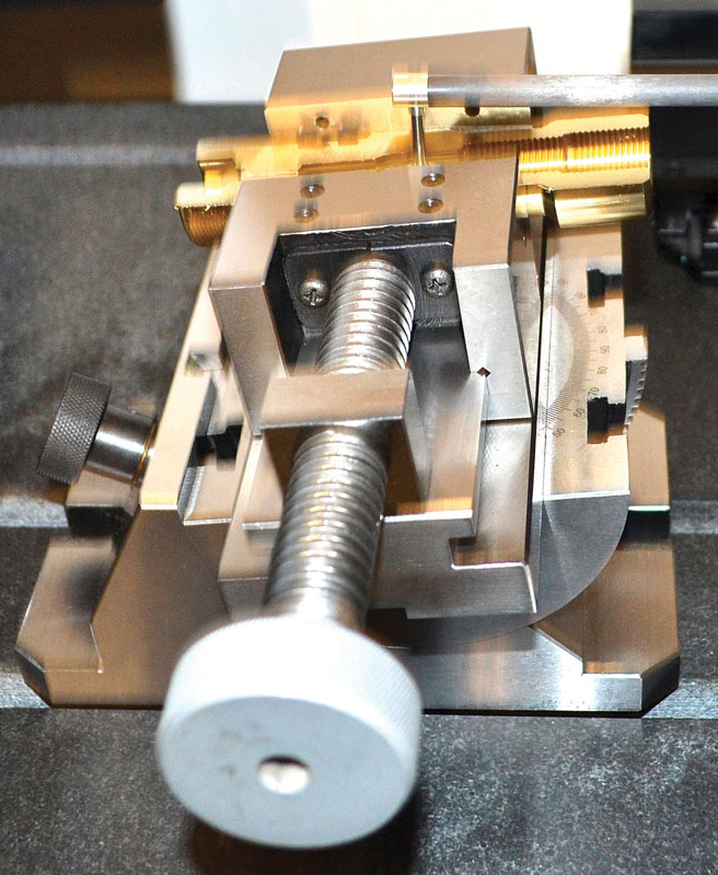 Grazie a processi di misurazione automatizzati, una volta caricati i componenti l'operatore può svolgere altre mansioni in attesa del completamento del ciclo di misura.
