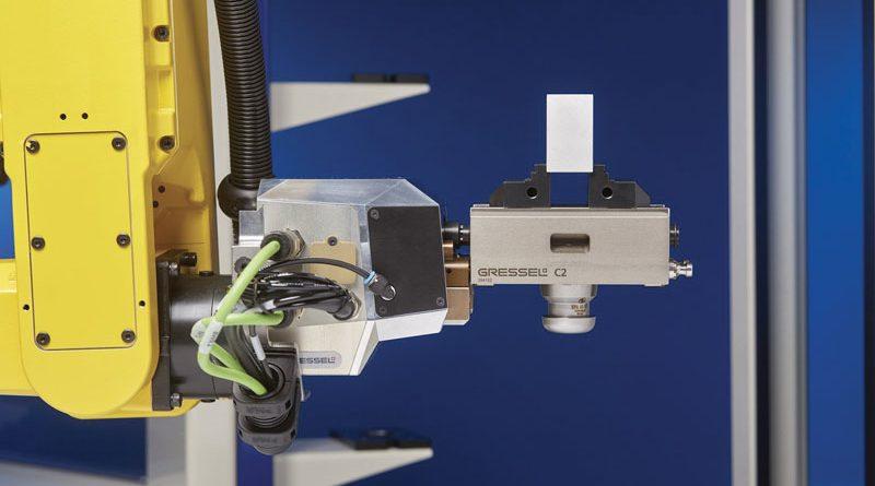 In occasione dei Robotic Days, Andrea Lolli ha presentato la nuova morsa autocentrante R-C2 che diventa anche una mano di presa e con cui l'azienda intende rivoluzionare questo tipo di applicazione.