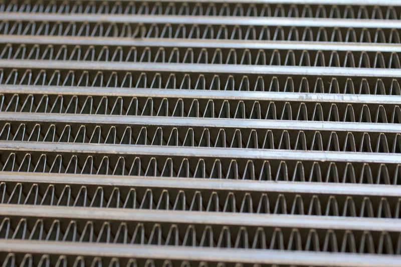 Scambiatore di calore in alluminio trattato con forno da brasatura in vuoto di TAV VACUUM FURNACES.