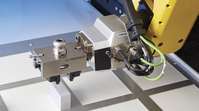 """""""Per soddisfare le esigenze dei nostri clienti che hanno la necessità di implementare un robot collaborativo, abbiamo sviluppato un sistema denominato Plug&Work che si pone l'obiettivo di essere di facile installazione sia dal punto di vista meccanico sia elettrico che software""""."""