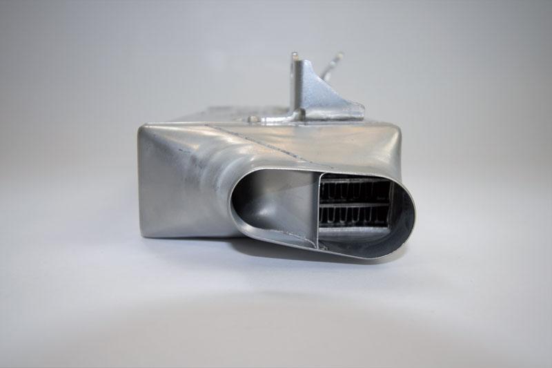È essenziale che la carica sia mantenuta a una temperatura inferiore fino a quando non siano state rimosse tutte le piastre dell'olio funzionanti dagli scambiatori di calore.