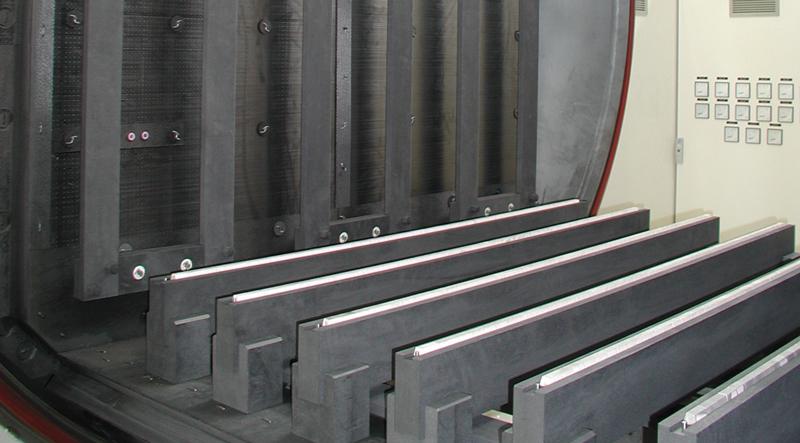 Dettaglio dell'apertura di un forno di TAV VACUUM FURNACES.