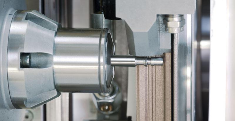 Sulla rettificatrice Grindstar è prevista una lunghezza di molatura pari a 400 mm tramite l'utilizzo di una mola con diametro 520 mm (Fonte: Junker).