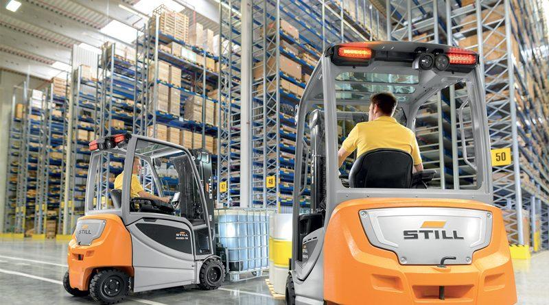 Still progetta e realizza carrelli elevatori, macchine da magazzino, trattori, trasportatori e sistemi per la logistica integrata in grado di soddisfare le esigenze più diverse.